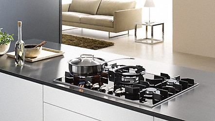 miele cuisini res et tables de cuisson gaz sup rieures de miele. Black Bedroom Furniture Sets. Home Design Ideas