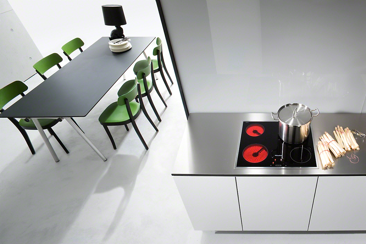 miele km 5600 table de cuisson vitroc ramique. Black Bedroom Furniture Sets. Home Design Ideas